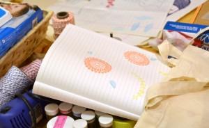Taller-de-carvado-de-sellos-con-Ishtar-cuaderno-Scrapeatodo