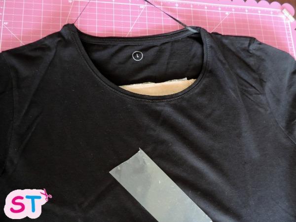 pintar-una-camiseta-con-plantilla-2-scrapeatodo